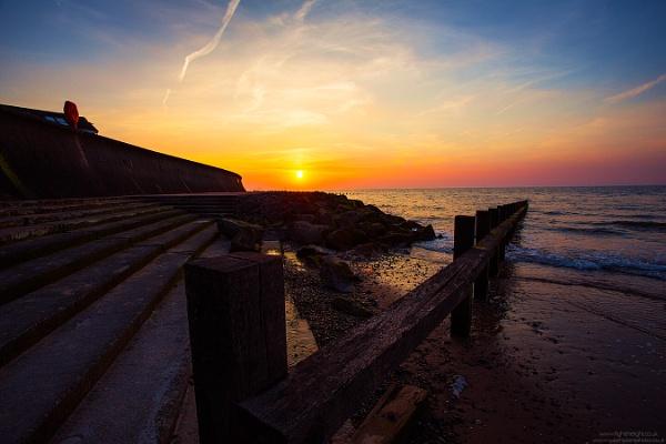 Splash Point, Rhyl, North Wales. by russftl