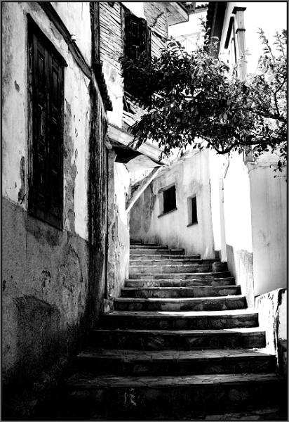 Greece in Mono. by lifesnapper