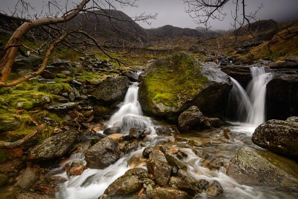 Rainy Day in Nant Peris, Snowdonia. by Brenty