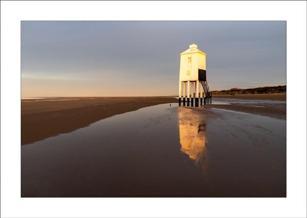Burnham Lighthouse (2) by Steve-T