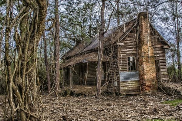 Abandoned farmhouse by jbsaladino