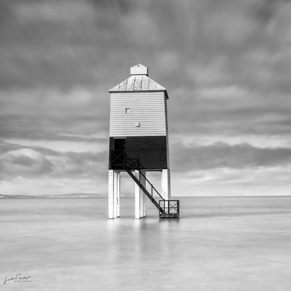 Burnham-on-Sea Low Lighthouse at high tide by LLCJ