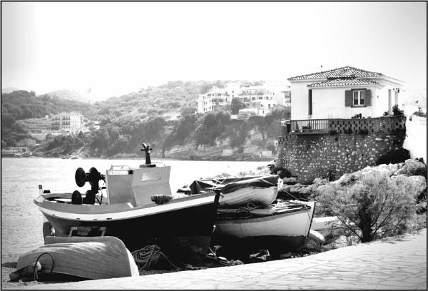 Greece In Mono 2 by lifesnapper
