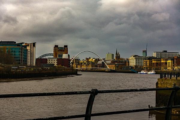 Millennium Bridge, Newcastle. by terra