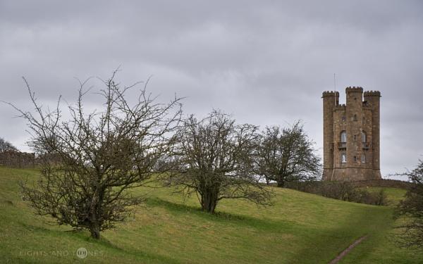 Moody Broadway Tower II. by jarvasm