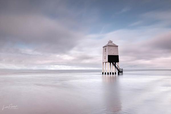 Burnham on Sea Low Lighthouse at high tide by LLCJ