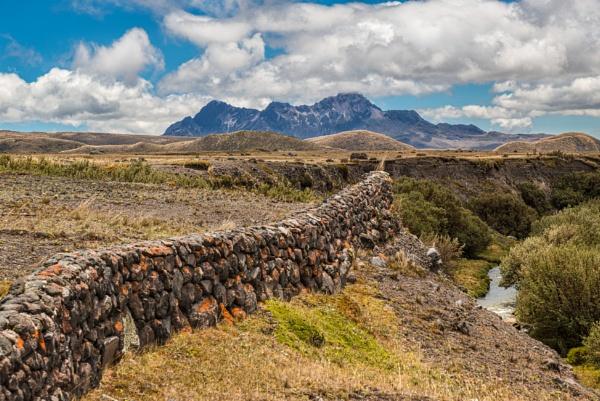 Rumiñahui volcano & Pita river Muladero by macxymum