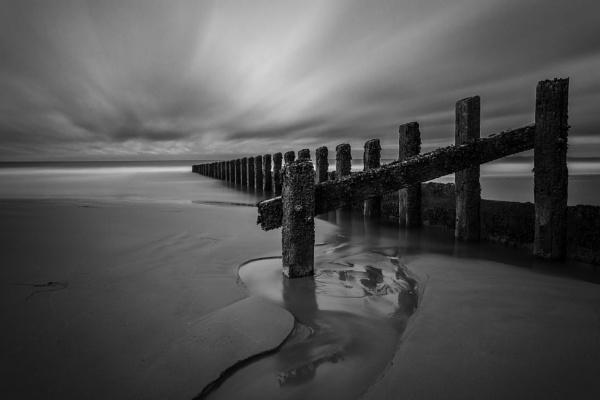 Groynes by LensArt