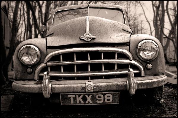 Morris Oxford by Tramper
