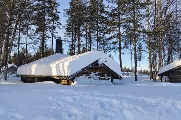 snow in Lapland, Finland by jeakmalt