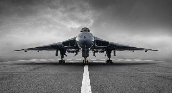 Avro Vulcan XH558 by FyneChris