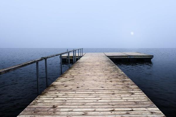 Empty pier by grulis