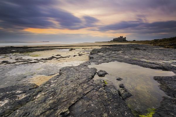 Bamburgh Rocks by neil75