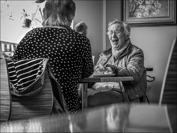 Ladies Lunch by johnnyjohhny