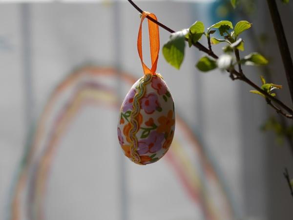 Easter decoration by the window by Kurczewskit