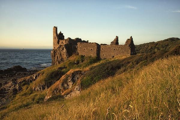 Dunure Castle / Ayrshire by Buffalo_Tom