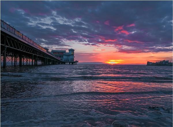 Sunset at Weston Super Mare. by franken