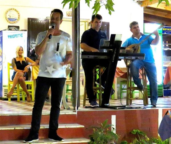 Restaurant entertainment by ddolfelin