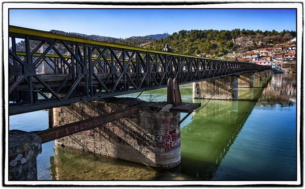 Old  bridge , Shkodra by nklakor