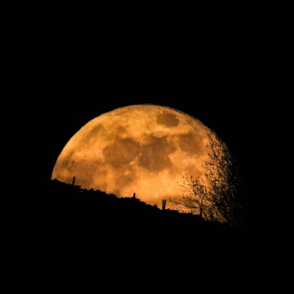 Supermoon by Legend147