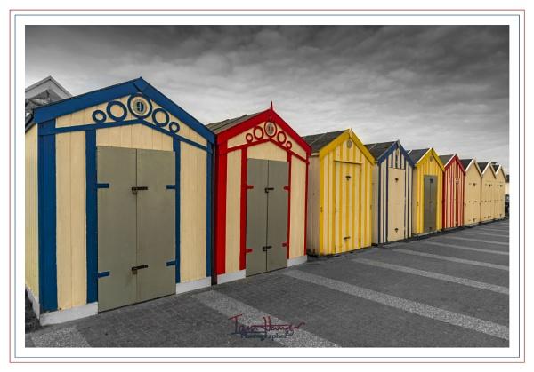 Great Yarmouth beach huts by IainHamer