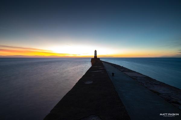 Berwick Lighthouse. by paskinmj