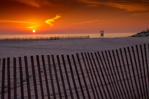 Dawn at the beach by manicam
