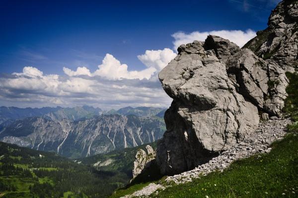 The mountain-guard by MAK54