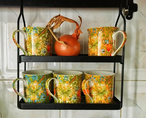 Mug rack 2 by jacomes