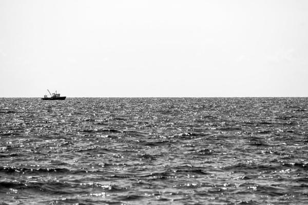 A sea minimalism by AVoizechovsky