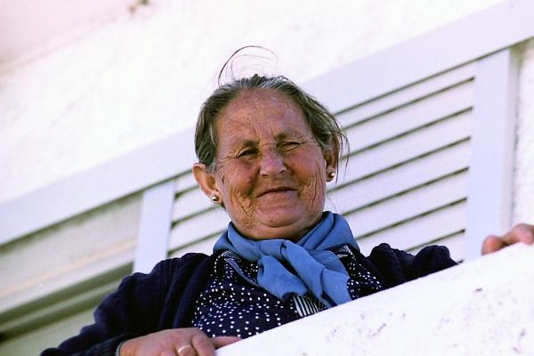Greek lady by derekd