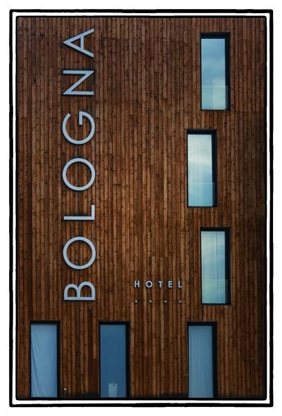 Hotel by nklakor