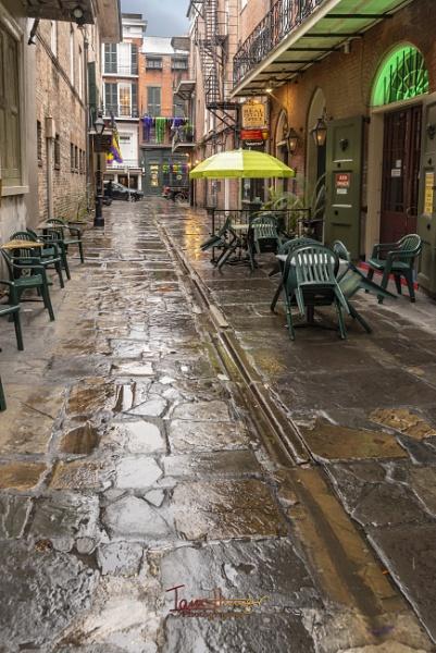 Rainy Alley by IainHamer