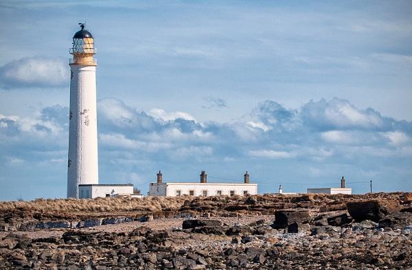 Barns Ness Lighthouse by ww2spitfire