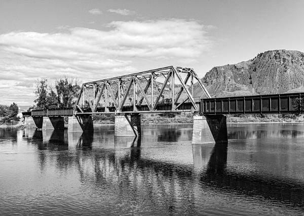 Railway bridge, Kamloops by pdunstan_Greymoon