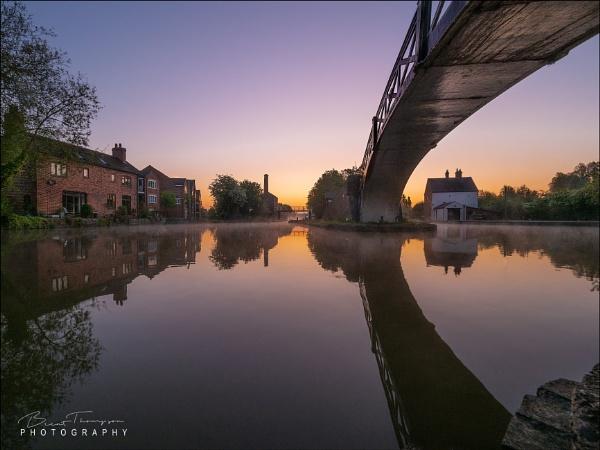 A very quiet  Britannia Bridge Sutton Stop and Hawkesbury Junction @ 5am by johnnyjohhny