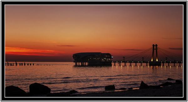 Sunset  in  Durrës by nklakor