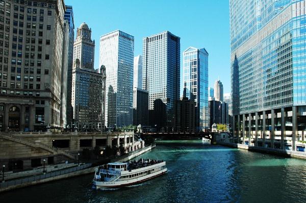 Chicago River by jrsundown