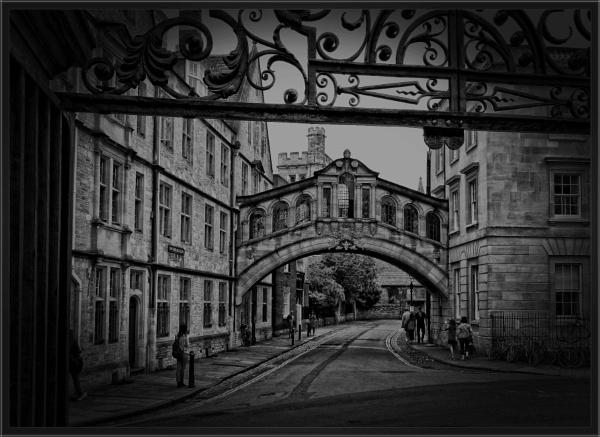 Hertford Bridge in Oxford by PhilT2