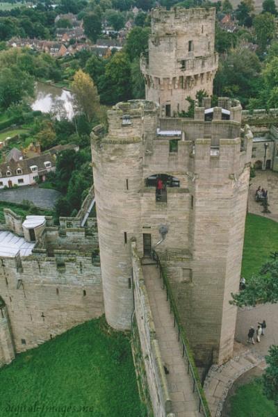 Warwick Castle by Alan_Baseley