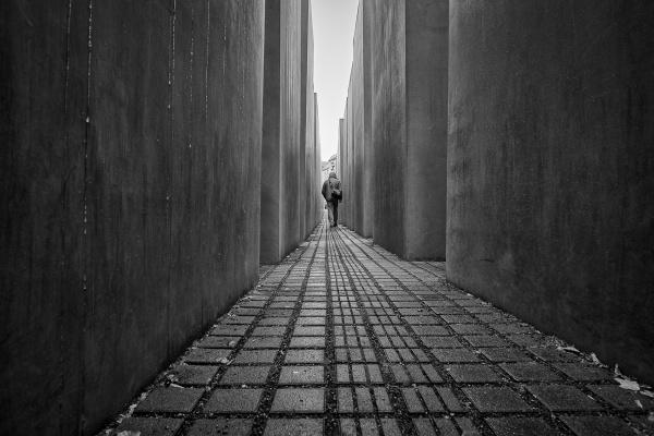Walk Away by RolandC