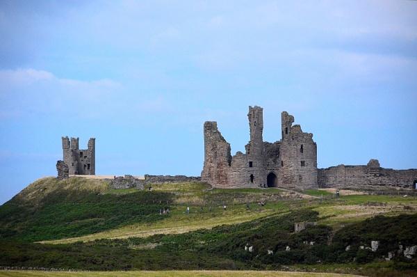 Dunstanburgh castle by jimbob133
