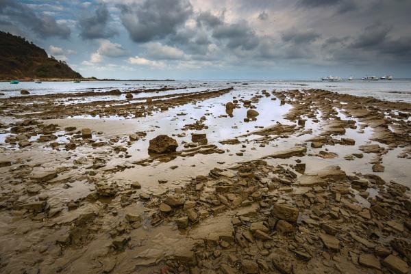 Rugged shoreline ... Follow by macxymum