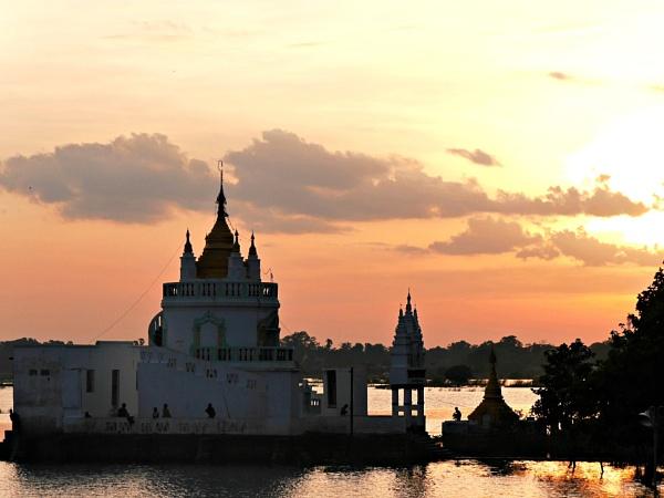 Temple at dusk, Myanmar ... by chrisdunham
