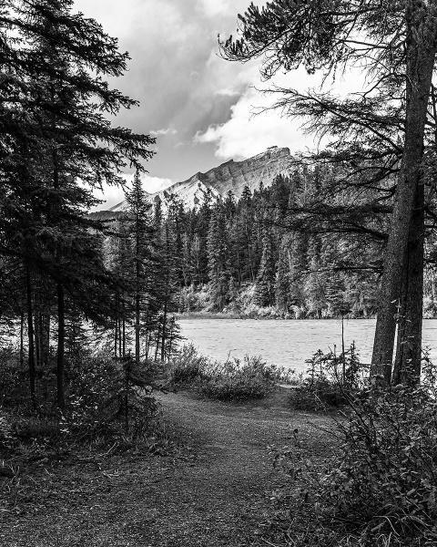 Bow River, Banff by pdunstan_Greymoon