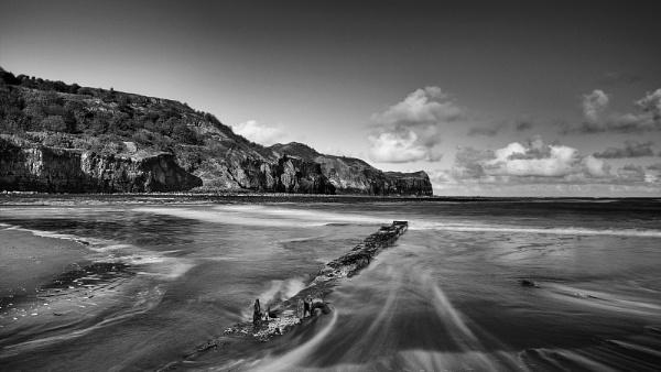 Sandsend Beach, Nth Yorkshire by Les_Cornwell