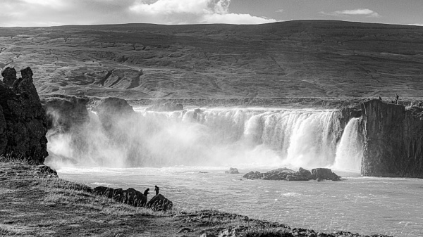 Godafoss waterfall by pdunstan_Greymoon