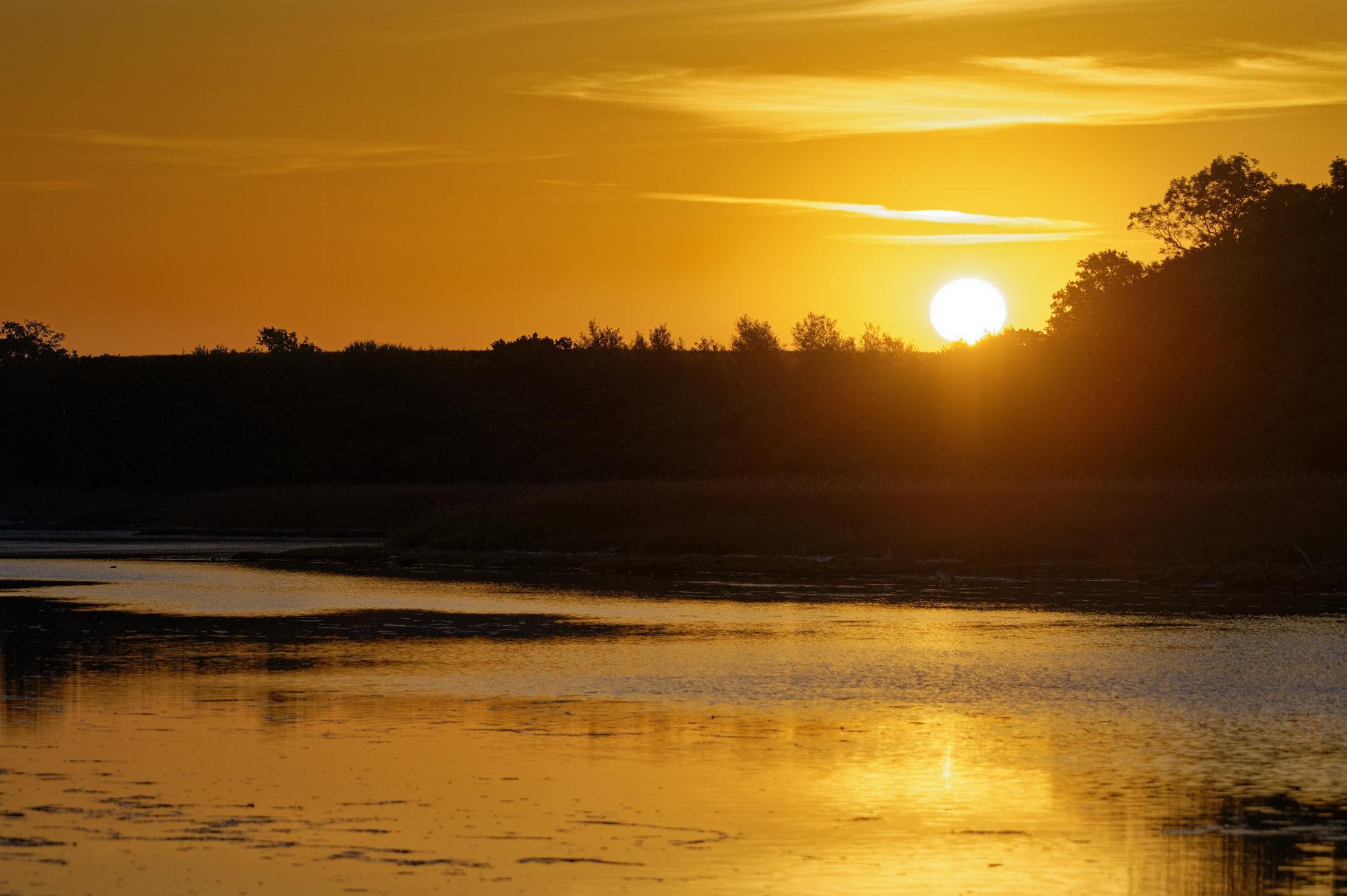 Sunrise on the river Yar.