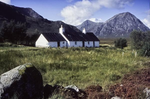 Black Rock Cottage     Highlands SCOTLAND by gong