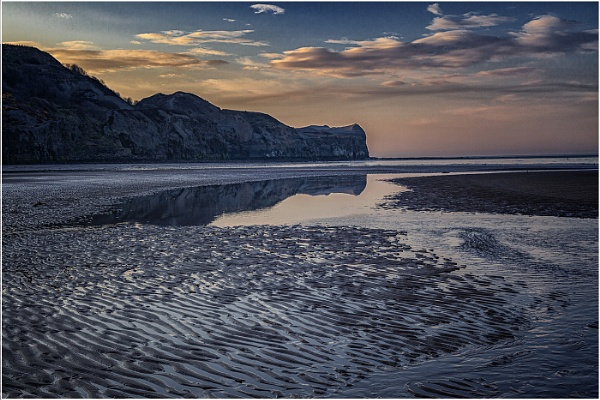 Sandsend Beach by stevenb